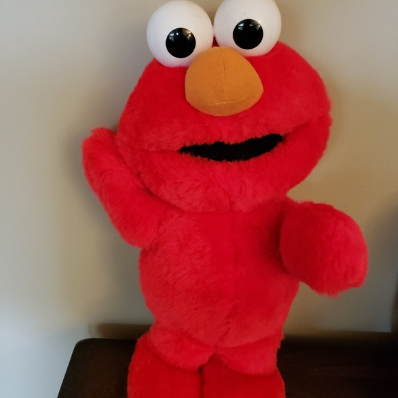 Vintage Tickle Me Elmo Plush - Talks and Laughs